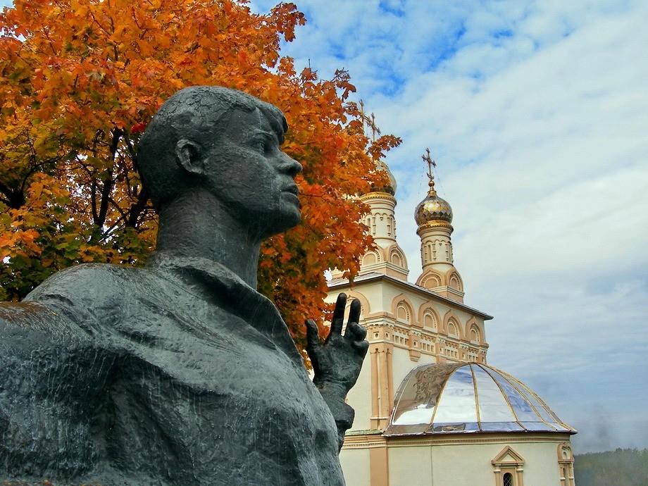 Лампадка из габбро-диабаза Богородск вертикальные памятники Павелецкая